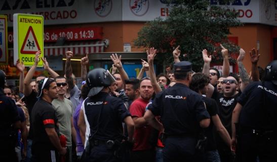 1195. Un millar de personas se manifiestan en Madrid contra la ocupación de un edificio por parte de grupos neonazis