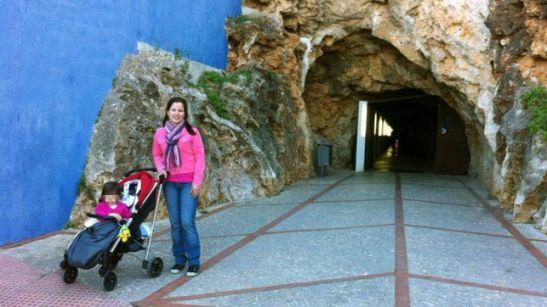 1214. Una inmigrante sufre un aborto tras ser rechazada varias veces por un hospital público valenciano
