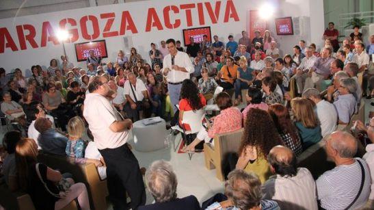 1245. El PSOE empieza a buscar en sus mítines apariencia de asamblea ciudadana
