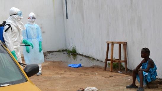 1302. El New York Times elogia a Cuba por enviar médicos a África frente al ébola