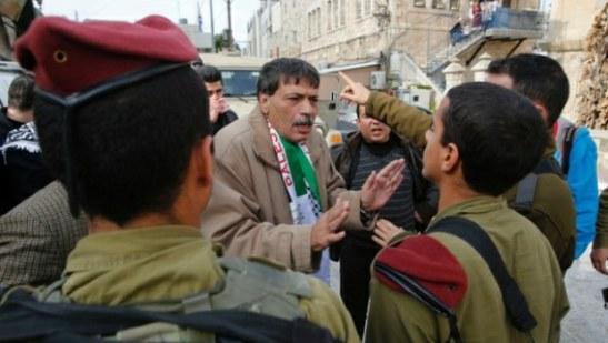 1401. Israel asesina a ministro palestino cuando protestaba contra la confiscación de tierras