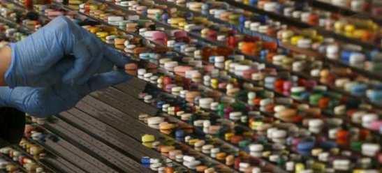 1425. 'Hay estudios que señalan que los fármacos son ya la tercera causa de muerte en países industrializados'