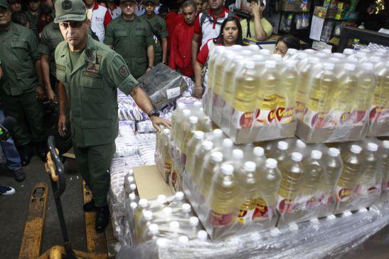 1503. Sabotaje económico - Venezuela incauta 1.000 toneladas de alimentos acaparados por empresas