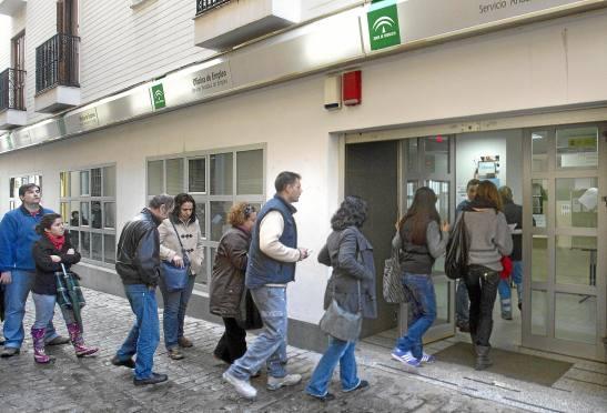 1568. Conmoción social en España por el Informe europeo EAPN - el 67% de la población no llega a fin de mes