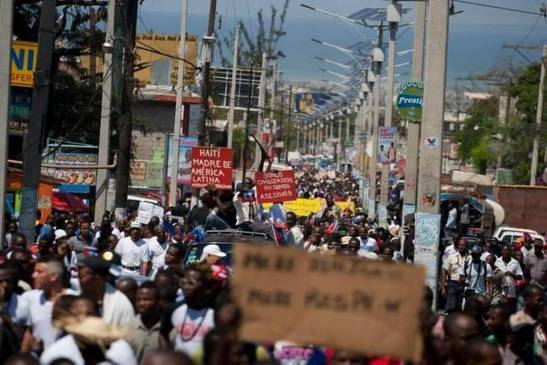1617. Thousands march in Haiti over Dominican racism
