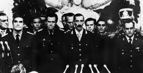 1693. Medios españoles hicieron negocios con la dictadura de Videla