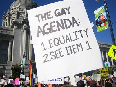 1701. Irlanda aprueba las adopciones gays