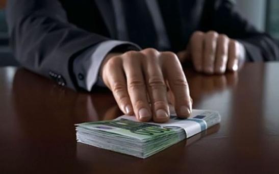 1781. Casi la mitad de los directivos españoles justifica los sobornos