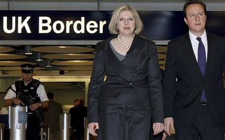 1785. Cameron propone confiscar los salarios de los inmigrantes ilegales en Reino Unido
