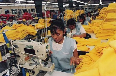 1803. La situación laboral de costureras mexicanas, igual que hace 30 años