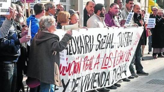 1810. Euskadi aprueba la expropiación temporal de pisos vacíos a bancos