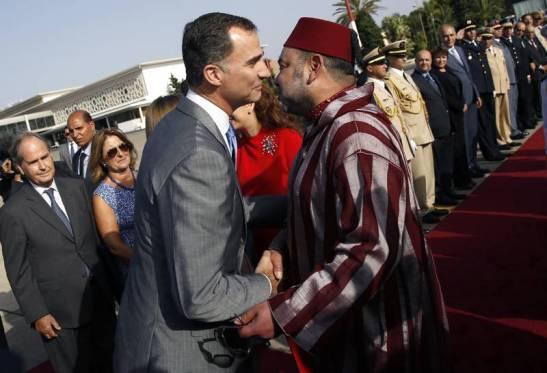 1830. Marruecos expulsa a una cooperante española, detiene a una pareja gay y denuncia que desde el extranjero se trata de 'socavar la moral pública'