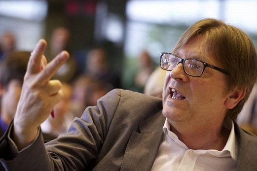1882. Cher Guy Verhofstadt, 40 familles grecques peuvent vivre avec votre salaire mensuel
