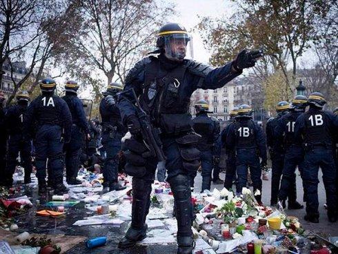 2011. Cientos detenidos y bajo prisión preventiva en París