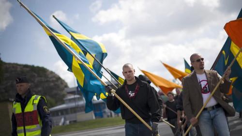 2020. Swedish fascists burn homes, blame crisis on refugees