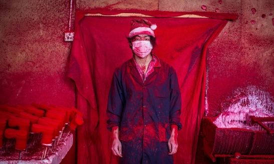 2038. Santa's real workshop - the town in China that makes the world's Christmas decorations